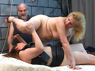 Slutty mature enjoying pure fetish