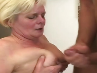 Fat ass mature fucked in the cunt