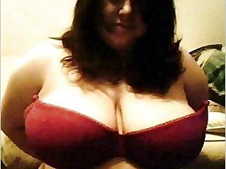Webcamfun BBW with big tits flashes
