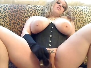 Babe with big boobies fuck with black dildo
